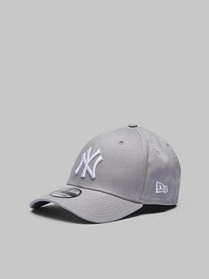 New Era 39Thirty MLB Team Logo NY Yankees Heather Gray/White