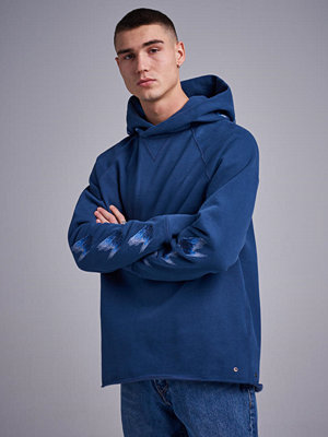 Street & luvtröjor - Levi's Made & Crafted LMC Unhemmed Hoodie Moonlight Blue