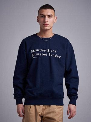 Tröjor & cardigans - Wacay Saturday Slack Sweatshirt 601 Eternal Blue