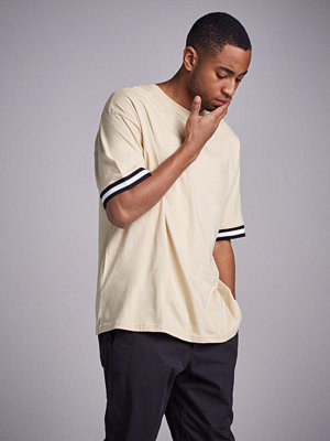 T-shirts - Adrian Hammond Tape sleeve tee Beige