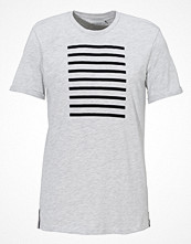 T-shirts - Les Deux Stanford Stripes Tee