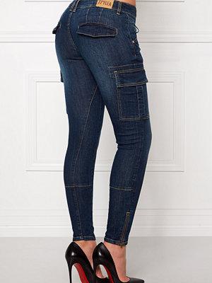 77thFLEA Louise girlfriend jeans