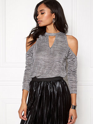 Rut & Circle Nora off shoulder top