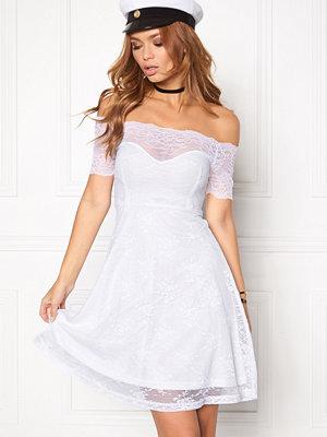 Bubbleroom Superior lace dress
