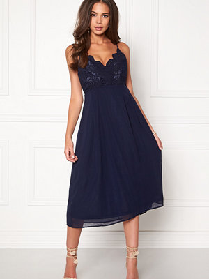 Girl In Mind Elea Plunge Lace Dress
