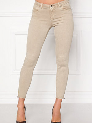 Only omönstrade byxor Serena Ankle Pants