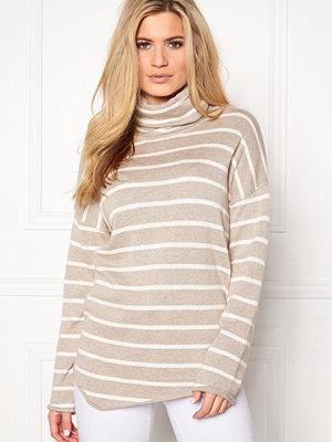 Boomerang Onyx Sweater