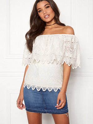 Vila Woodstock Off-Shoulder