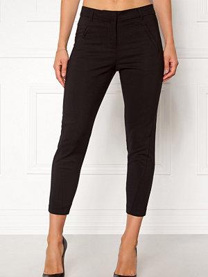 Vero Moda svarta byxor Victoria Antifit Ankel
