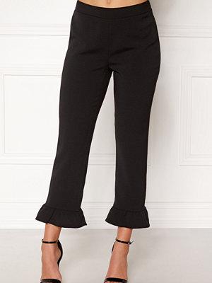 Object svarta byxor Camille Ruffle Pants