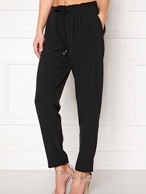 Happy Holly svarta byxor Alexandra pants