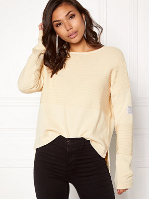 Boomerang Whitch O-Neck Sweater