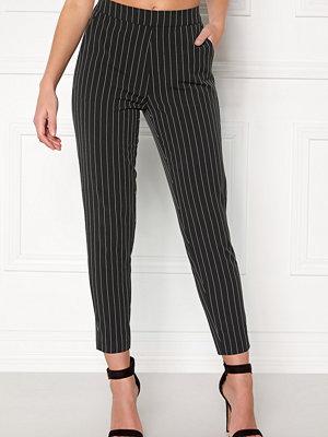 Object svarta randiga byxor Cecilie Striped 7/8 Pant