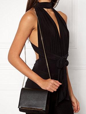 New Look svart väska Shelby Boxy Strap Bag