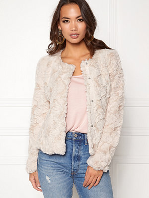 Vero Moda Curl Short Fake Fur Jacket