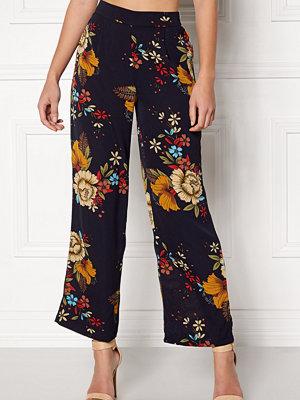 Jacqueline de Yong svarta byxor med tryck Sofi Wide Pant