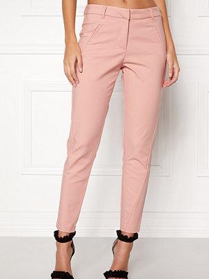 Vero Moda persikofärgade byxor Victoria Ankle Pants