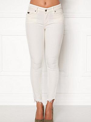 Odd Molly vita byxor Simplyfied Jeans