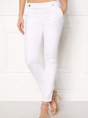 Only vita byxor Tara Button Pant