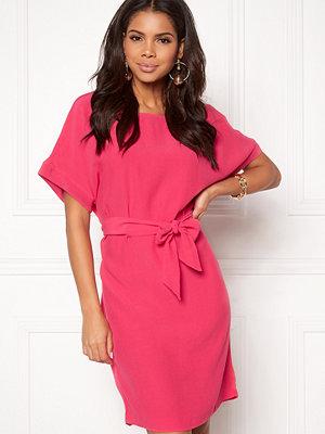 Snygga klänningar från Twist   Tango - Modegallerian e7ff6f7467cbd
