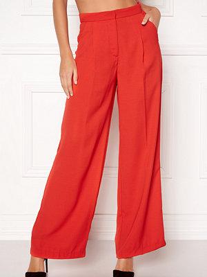 Vero Moda röda byxor Lanjuli HW Wide Pants