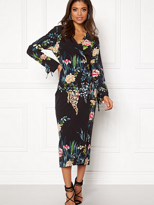 Rut & Circle Siri Satin Kimono