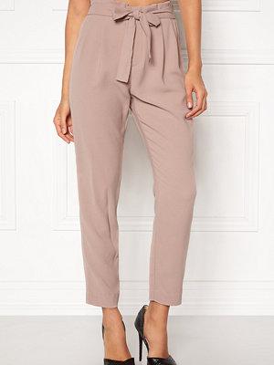 Only beige byxor Florence Belt Ankle Pant