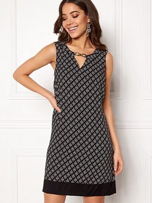Happy Holly Chelsea dress