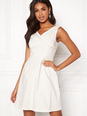 Vila Atlia S/L V-Neck Dress