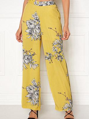 Vero Moda gula byxor med tryck Satina Pants