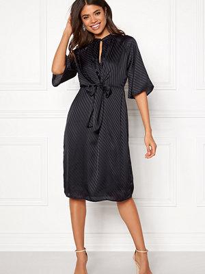 Vero Moda Gigi 2/4 Tie Dress