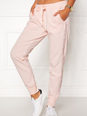 Odd Molly cremefärgade byxor Honey Sweet Sweatpants
