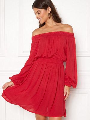 Make Way Krista offshoulder dress