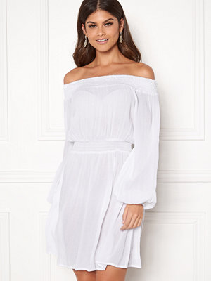 Make Way Krista offshoulder dress