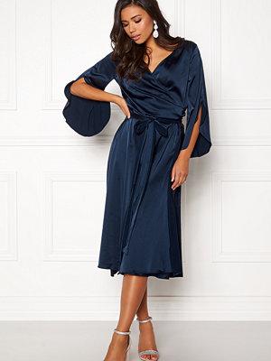 Rut & Circle Fab Wrap Long Dress