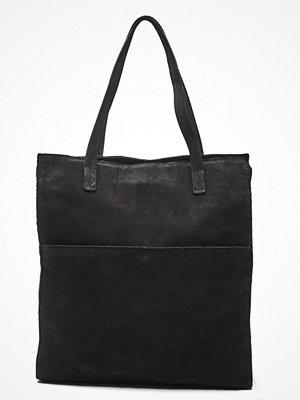 Handväskor - Pieces Gwen Suede Shopper