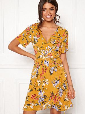 Rut & Circle Eleonor Wrap Dress