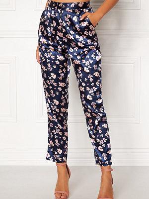 Bubbleroom mönstrade byxor Pandora trousers