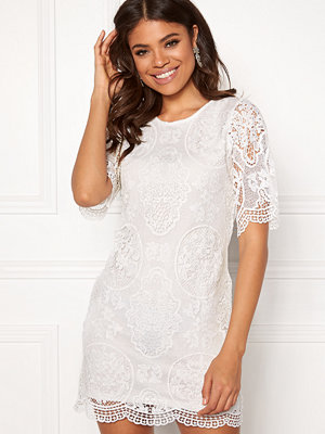 Happy Holly Vickan lace dress