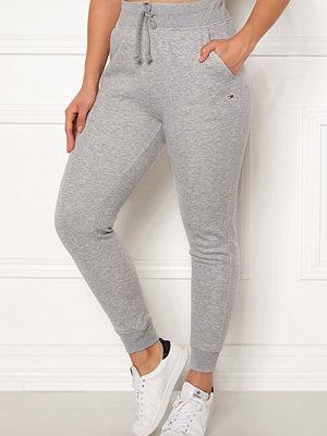 Tommy Jeans ljusgrå byxor Classics Sweatpant