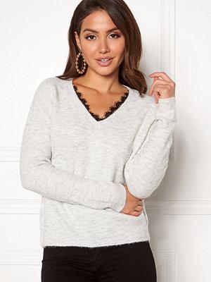 Vero Moda Iva LS V-Neck Lace Blouse