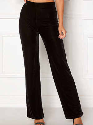 Bubbleroom svarta byxor Thea velvet trousers
