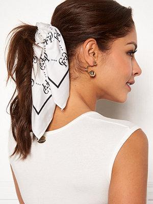 Chiara Forthi Arezzo scarf