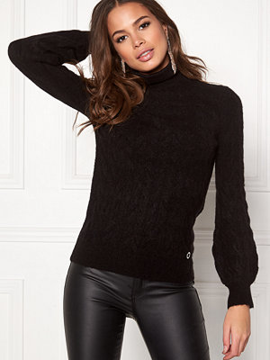 Happy Holly Kira cable knitted sweater