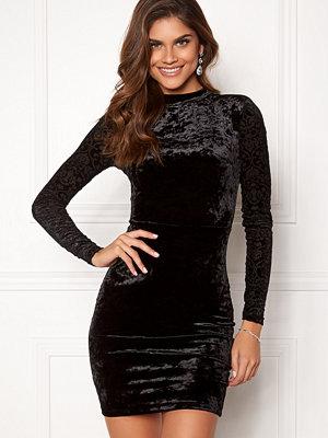 Chiara Forthi Theresa velvet dress