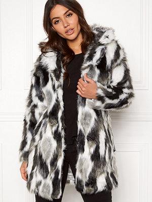 Qed London Animal Faux Fur Coat