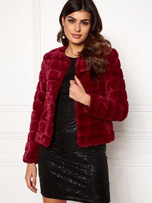 Vero Moda Avenue Faux Fur Short