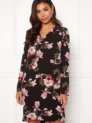 Pieces Lona L/S V-neck Dress