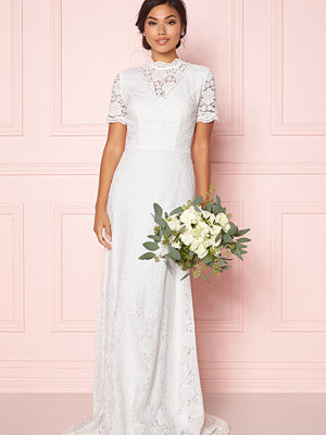 Moments New York Magnolia Wedding Gown