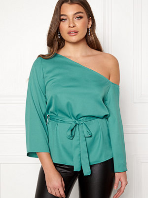 Rut & Circle Elis Off Shoulder Blouse